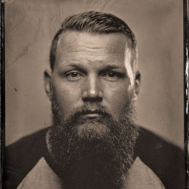 Portraits for a good cause. Amazing work by @silver_sunbeams #againstcancer #nofilterneeded #wetplatecollodion  #decembeard by @chewbiggs